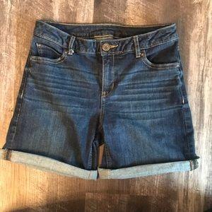 """Simply Vera Vera Wang 6"""" Dark Wash Jean Shorts, S2"""